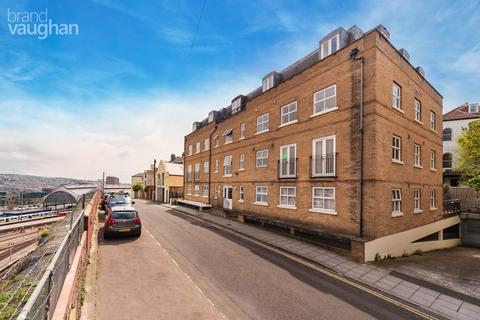 Studio to rent - St Annes Court, Howard Place, Brighton, BN1