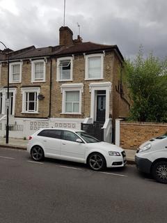 2 bedroom flat to rent - Askew Crescent