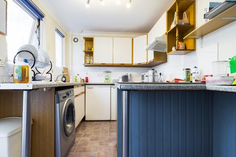5 bedroom terraced house to rent - Upper Bevendean Road, Brighton BN2