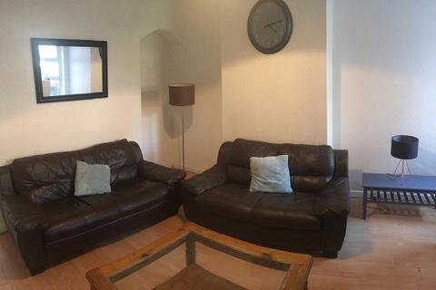 3 bedroom property to rent - Litchworth Street, Rusholme, Manchester