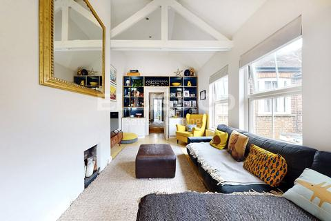 3 bedroom maisonette for sale - Granville Road, London, NW2