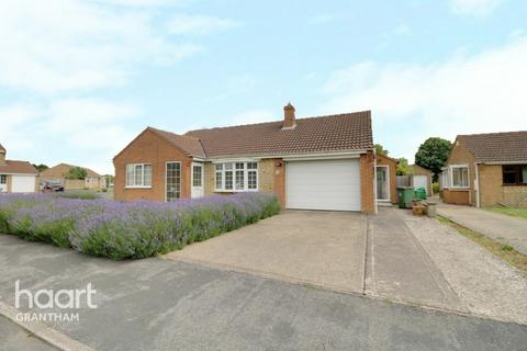 2 bedroom detached bungalow for sale - Colster Way, Grantham