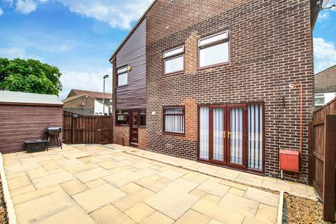 3 bedroom semi-detached house for sale - Christchurch Place, Peterlee, Durham