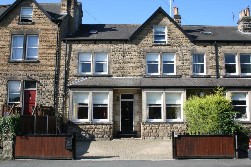 4 Bedrooms Terraced House for sale in York Place, Wetherby, West Yorkshire