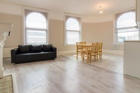 2 bedroom flat to rent - Albert Road, Woolwich, E16