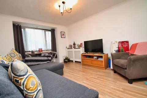 2 bedroom ground floor maisonette to rent - Wood Dale, Chelmsford