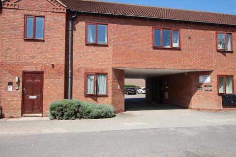 2 bedroom flat to rent - Winters Court, Long Bennington
