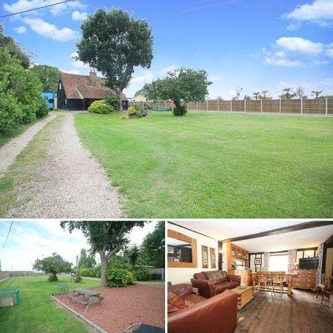 4 bedroom cottage for sale - Kingsmans Farm Road, Hullbridge