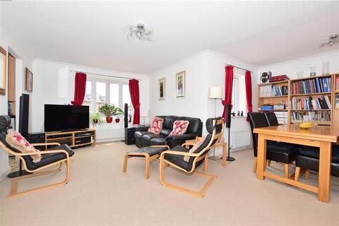 2 bedroom flat for sale - Running Foxes Lane, Ashford, Kent