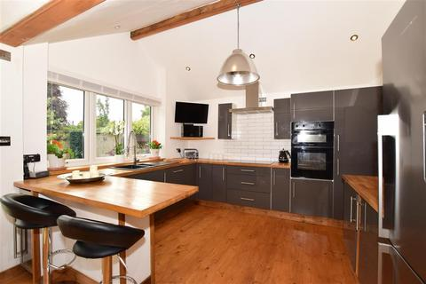4 bedroom detached bungalow for sale - Roseacre Lane, Bearsted, Maidstone, Kent