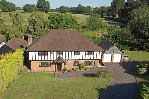 5 bedroom detached house - Kingswood