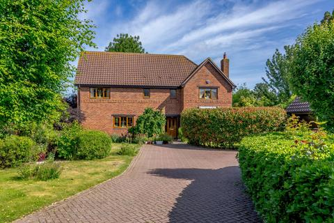 5 bedroom detached house for sale - Spinney Fields, Holme, Peterborough, PE7