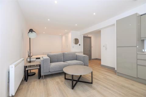 Studio to rent - London Court, East Street, Reading, Berkshire, RG1