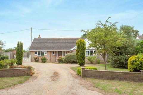 3 bedroom detached bungalow for sale - Hulver Road, Mutford, Beccles