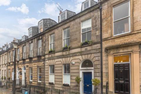 3 bedroom flat to rent - Albany Street, Edinburgh,