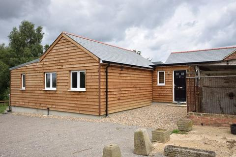 3 bedroom house to rent - Wing