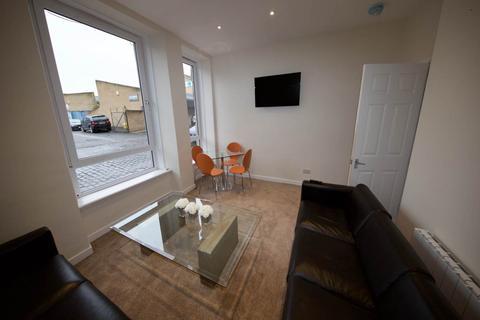 2 bedroom flat to rent - North Ellen Street, Dundee,