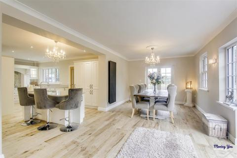 5 bedroom house for sale - St. Mary Hill, CF35