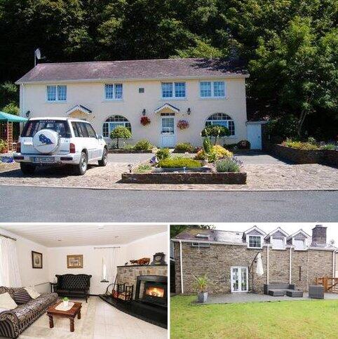 5 bedroom property with land for sale - Dol Llan Road, Llandysul