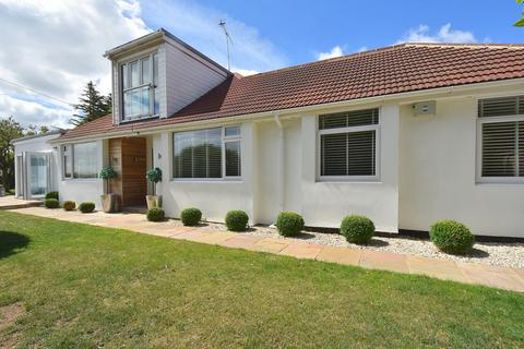5 bedroom detached bungalow for sale - Convent Road, Broadstairs, CT10