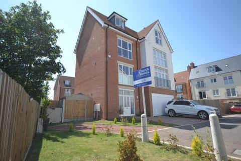 5 bedroom detached house for sale - Rememberance Avenue, Burnham-on-Crouch