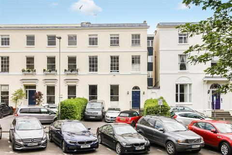 5 bedroom townhouse for sale - Cambray Place, Cheltenham