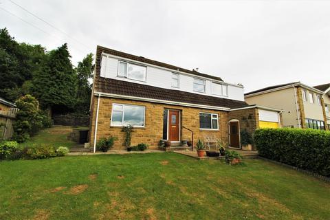 4 bedroom detached bungalow for sale - Bankfield, Shelley, Huddersfield, HD8 8JA