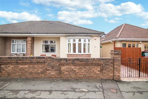2 bedroom bungalow for sale - Badminton Grove, Ebbw Vale, Gwent, NP23