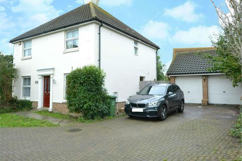 4 bedroom detached house for sale - Tresco Way, Wickford, Essex, SS12