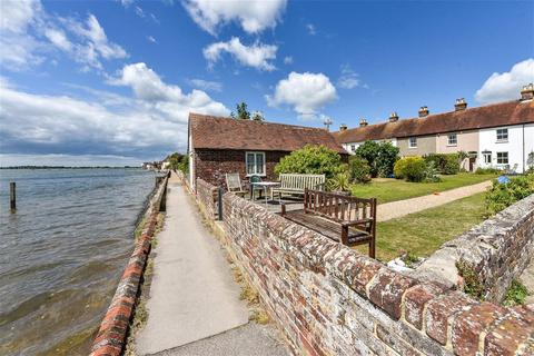 3 bedroom terraced house for sale - Mariners Terrace, Bosham, Chichester, West Sussex, PO18
