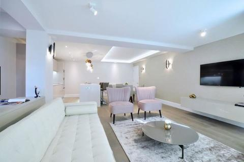 3 bedroom apartment to rent - St. James's Terrace London NW8