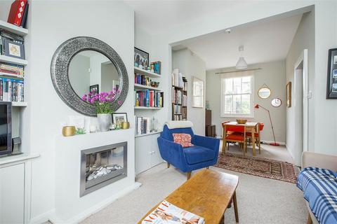 2 bedroom end of terrace house to rent - Ashbury Road, SW11