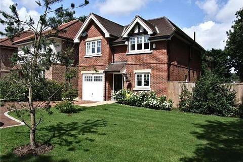 4 bedroom detached house to rent - Woodside Gardens, Marlow, SL7 1SF
