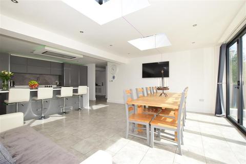 5 bedroom detached bungalow for sale - Upper Hyde Farm Lane, Shanklin, Isle of Wight