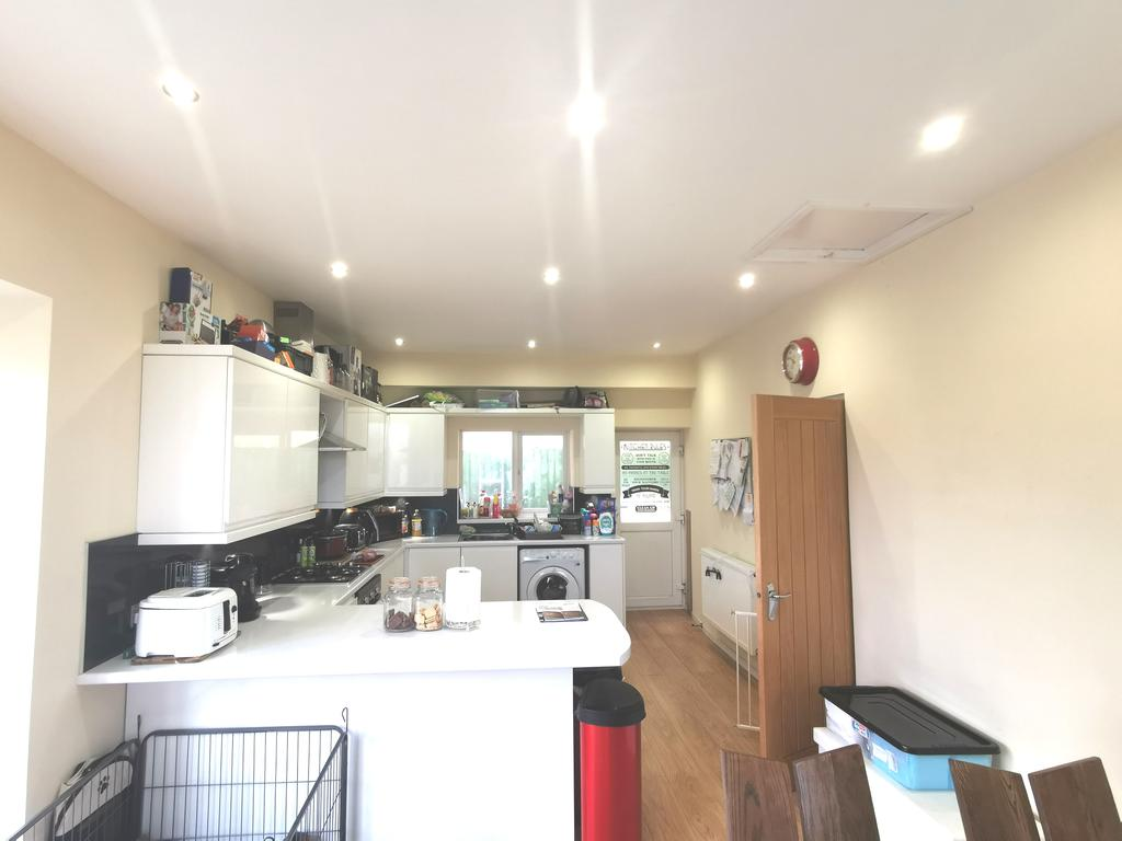 Large fitted kitchen diner