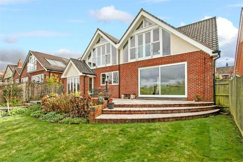 4 bedroom detached house for sale - Sunnydown Road, Oliver's Battery, Winchester, Hampshire, SO22