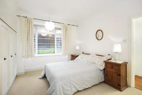 2 bedroom flat for sale - Belsize Avenue, London, Greater London. NW3