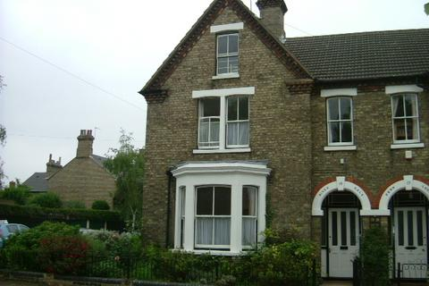 6 bedroom semi-detached house to rent - Albany Road