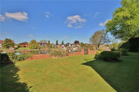 1 bedroom apartment to rent - Thames Side, Staines Upon Thames, Middlesex, TW18
