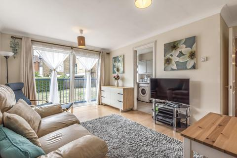 1 bedroom flat - Lower Downs Road, Wimbledon