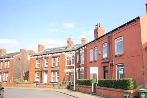 4 bedroom terraced house to rent - Aberdeen Walk, Armley, Leeds, LS12 3SB