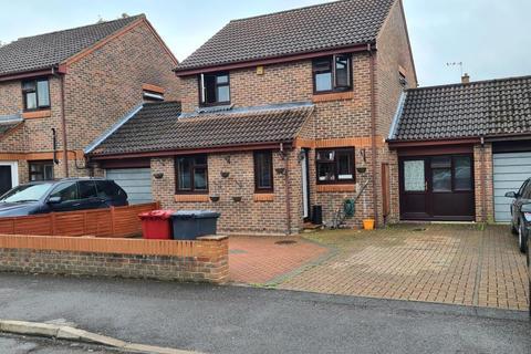 5 bedroom semi-detached house for sale - Slough, Berkshire, SL1