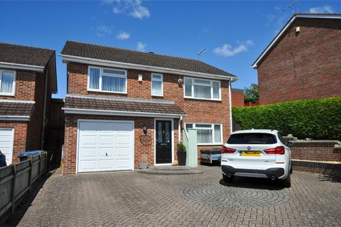 3 bedroom detached house for sale - Sandyhurst Close, POOLE, Dorset