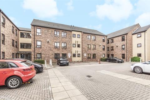 2 bedroom flat for sale - Woodlands Village, Wakefield, West Yorkshire