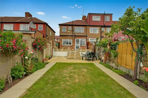 3 bedroom end of terrace house for sale - Cairnfield Avenue, London