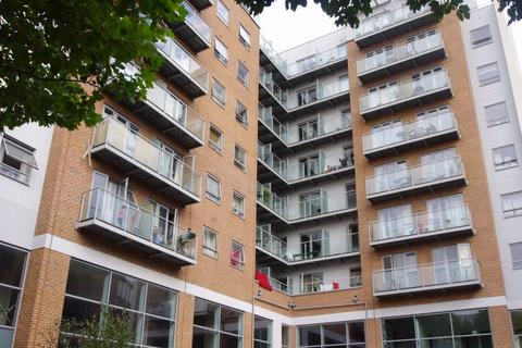 2 bedroom flat to rent - Wilmington Close, WATFORD, Hertfordshire