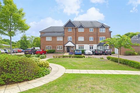 2 bedroom flat to rent - Scholars Place, WALTON-ON-THAMES, Surrey