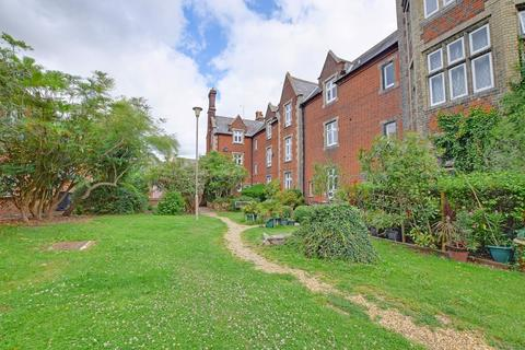 2 bedroom apartment for sale - The Close, Dunmow