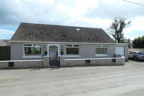4 bedroom bungalow for sale - Highmead, Wiston, Haverfordwest