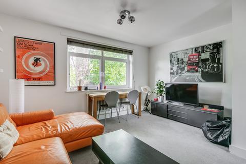 3 bedroom flat to rent - Lapworth Court, Delamere Terrace, London